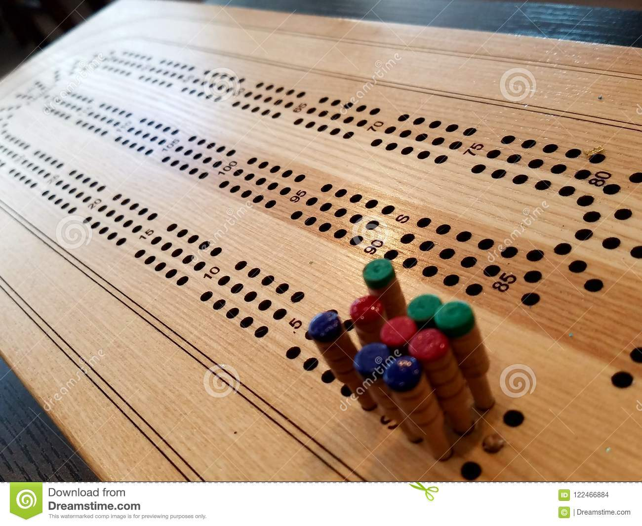 cribbage board wooden game pegs 122466884